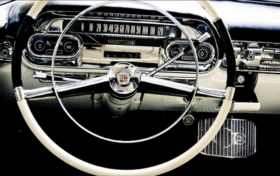 vintage-car-interior_dashboard-cream-black_James-Christianson-photographer.png